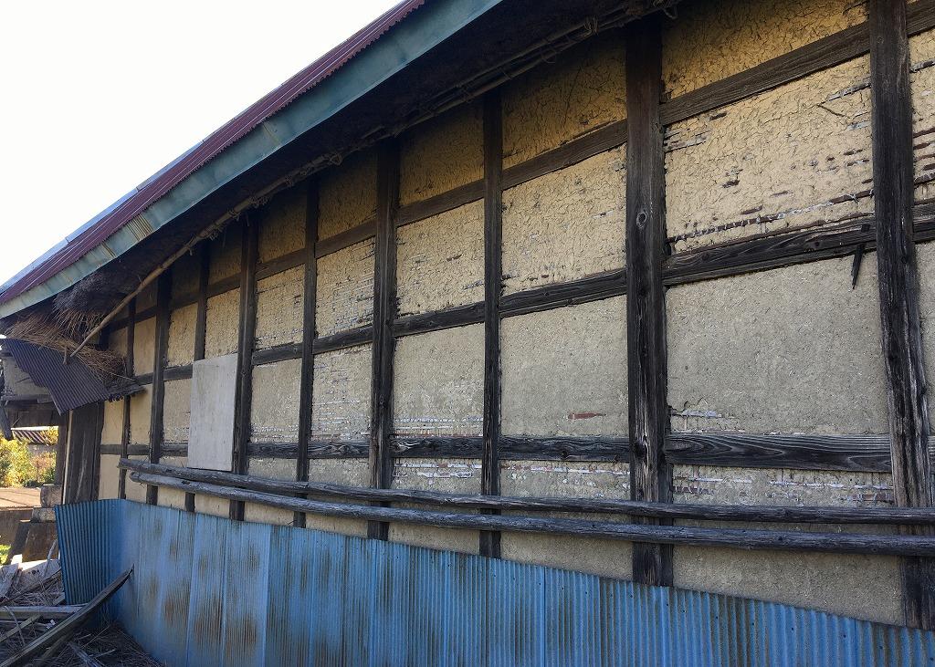 土壁と木組み